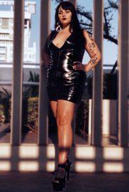 Mistress Simone Siren